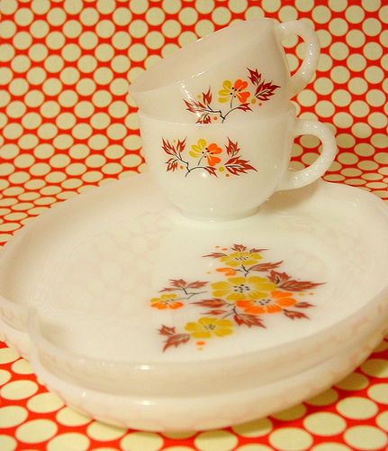 Milk Glass Snackset at HappyDashery.com